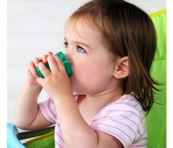 Babycup leren drinken babytrendwatcher