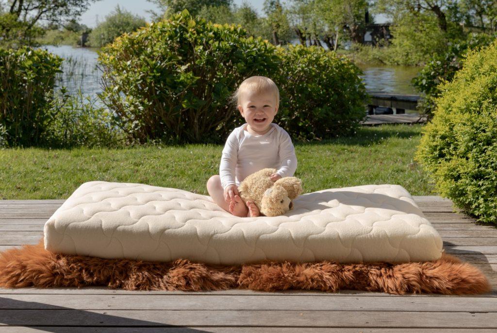 coati babymatras van natuurlijke materialen