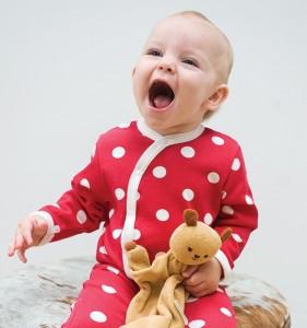 vrolijke baby in Nederland